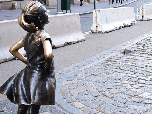 Dedichiamo una statua alle bambine vittime di violenza